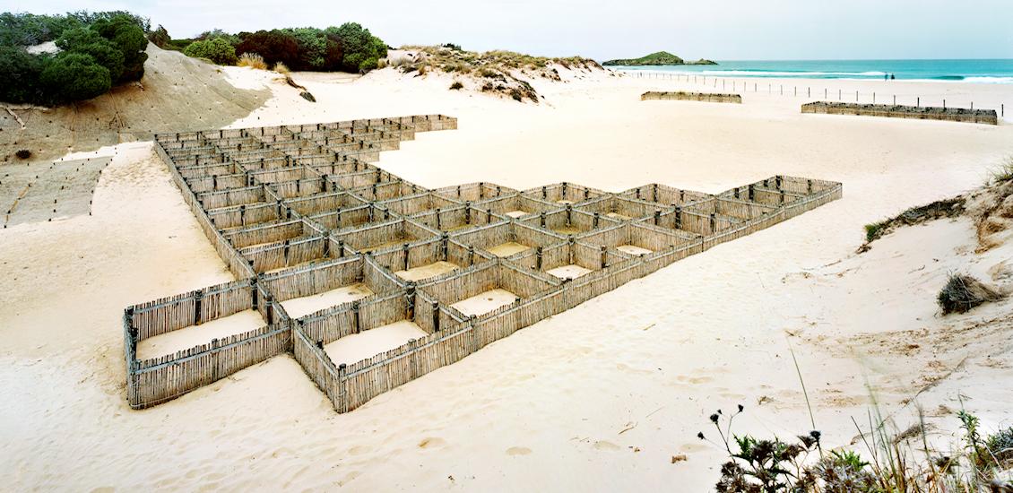 Spiaggia di Su Giudeu - Scacchiere per la cattura e intrappolamento della sabbia